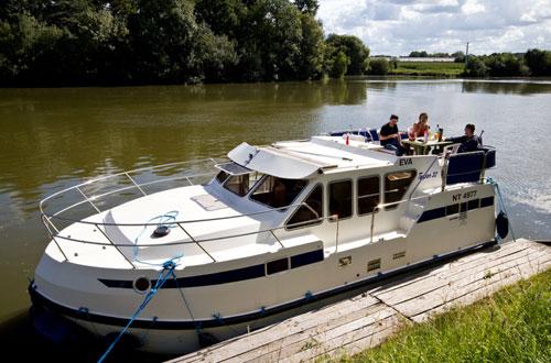 achat de bateau fluvial neuf et d 39 occasion tarpon. Black Bedroom Furniture Sets. Home Design Ideas
