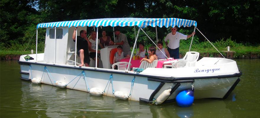 achat bateaux gamme transport passagers cpc chantier naval. Black Bedroom Furniture Sets. Home Design Ideas